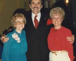 jd-1982-12-17-dellaaunt-mayorfrankney
